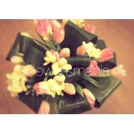 Букет «Сад с тюльпанами»