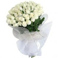 Букет из 75 белых роз (70 см)