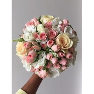 Букет невесты из розовой кустовой розы