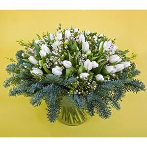 Зимняя сказка из 51 тюльпана