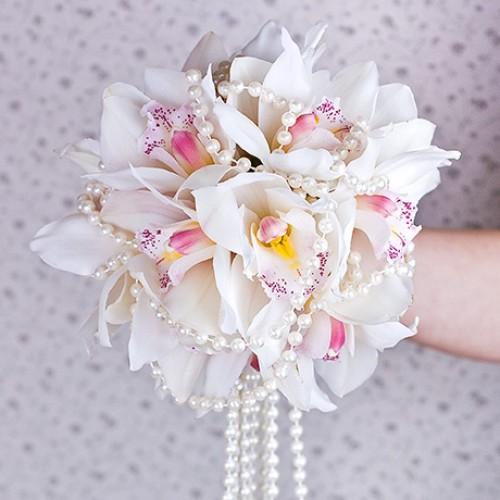 ... » Свадебный букет невесты из орхидей: flowersmania.ru/svadebnyy-buket-nevesty-iz-orhidey