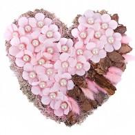 Композиция Сердце из цветов
