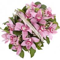 Корзина с орхидеями средняя