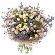 Букет кустовых роз «Утренняя роса»